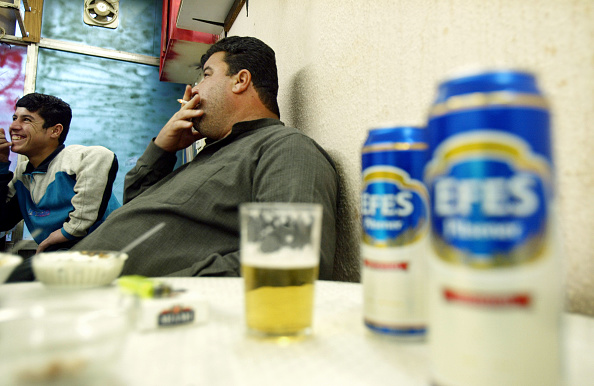 Bar - Drink Establishment「Bar Serves Alcohol In Baghdad」:写真・画像(7)[壁紙.com]