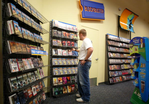 Store「Blockbuster Offers To Buy Competitor Hollywood Video」:写真・画像(18)[壁紙.com]