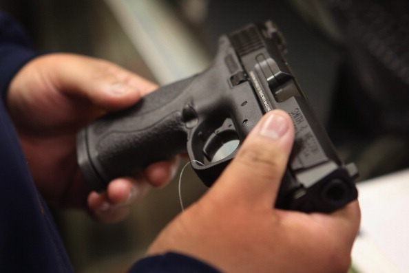 Gun「U.S. Gun Sales Reach Record Levels In 2012」:写真・画像(0)[壁紙.com]
