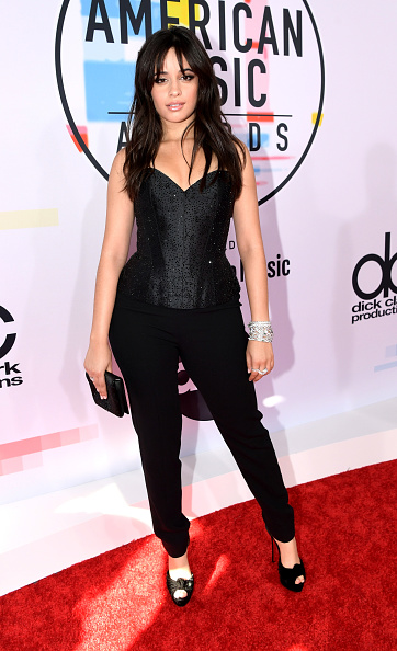 Black Pants「2018 American Music Awards - Red Carpet」:写真・画像(3)[壁紙.com]