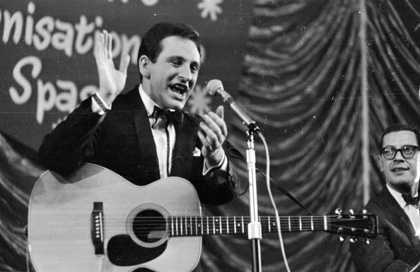 Victor Blackman「Lonnie Donegan」:写真・画像(18)[壁紙.com]
