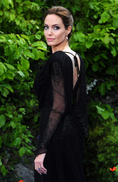 "Black Color「""Maleficent"" Costume And Props Private Reception - Red Carpet Arrivals」:写真・画像(5)[壁紙.com]"
