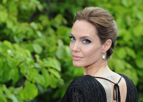 """Angelina Jolie「""""Maleficent"""" Costume And Props Private Reception - Red Carpet Arrivals」:写真・画像(8)[壁紙.com]"""