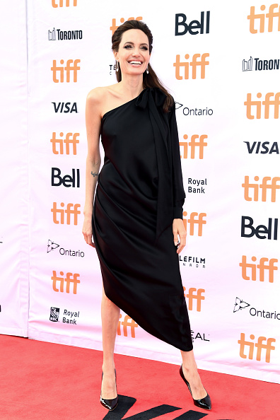 アンジェリーナ・ジョリー「The World Premiere Of Netflix's Film's 'First They Killed My Father' During The Toronto International Film Festival」:写真・画像(13)[壁紙.com]
