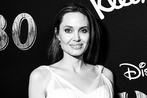 Angelina Jolie「Premiere Of Disney's 'Dumbo' - Arrivals」:写真・画像(7)[壁紙.com]
