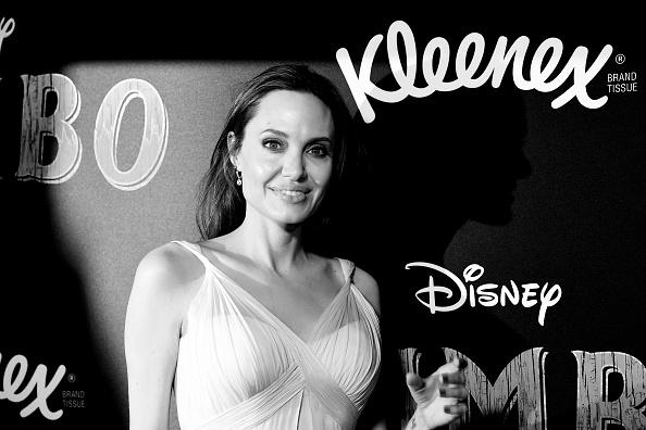 Angelina Jolie「Premiere Of Disney's 'Dumbo' - Arrivals」:写真・画像(3)[壁紙.com]