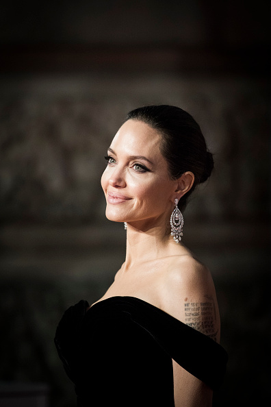 Angelina Jolie「EE British Academy Film Awards - Red Carpet Arrivals」:写真・画像(7)[壁紙.com]