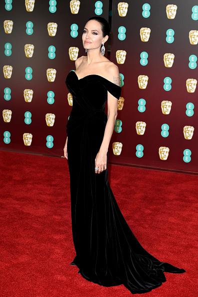 アンジェリーナ・ジョリー「EE British Academy Film Awards - Red Carpet Arrivals」:写真・画像(5)[壁紙.com]