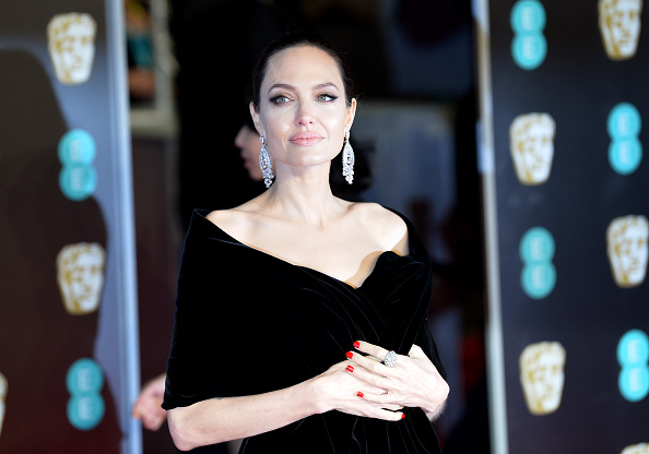 Angelina Jolie「EE British Academy Film Awards - Red Carpet Arrivals」:写真・画像(13)[壁紙.com]