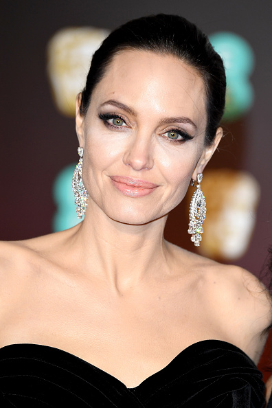Angelina Jolie「EE British Academy Film Awards - Red Carpet Arrivals」:写真・画像(1)[壁紙.com]