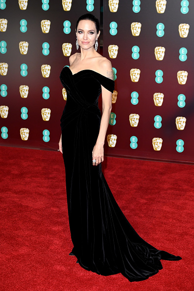 Angelina Jolie「EE British Academy Film Awards - Red Carpet Arrivals」:写真・画像(9)[壁紙.com]
