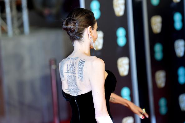 アンジェリーナ・ジョリー「EE British Academy Film Awards - Red Carpet Arrivals」:写真・画像(15)[壁紙.com]