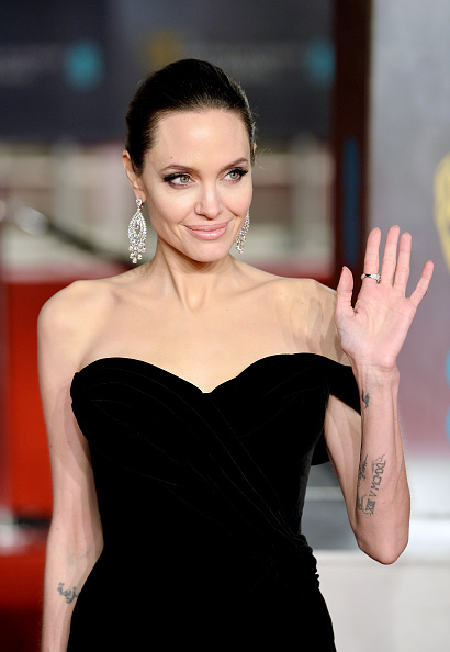 Angelina Jolie「EE British Academy Film Awards - Red Carpet Arrivals」:写真・画像(15)[壁紙.com]