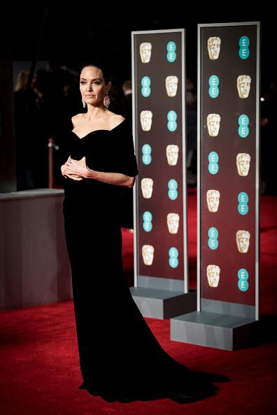 ダイヤモンドイヤリング「EE British Academy Film Awards - Red Carpet Arrivals」:写真・画像(18)[壁紙.com]