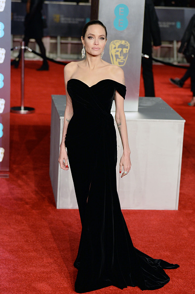 アンジェリーナ・ジョリー「EE British Academy Film Awards - Red Carpet Arrivals」:写真・画像(3)[壁紙.com]