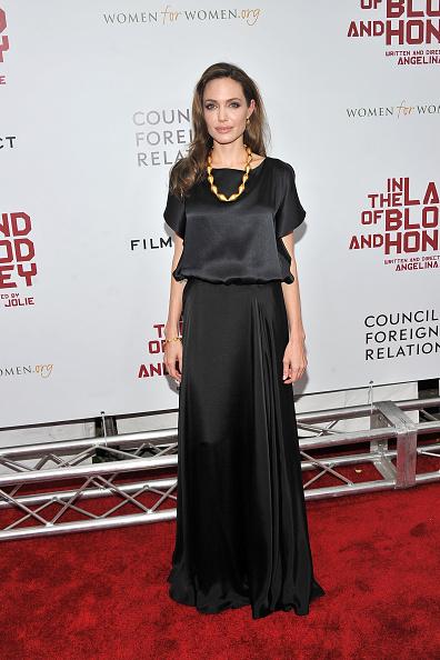 "Skirt「""In The Land Of Blood And Honey"" New York Premiere - Inside Arrivals」:写真・画像(12)[壁紙.com]"