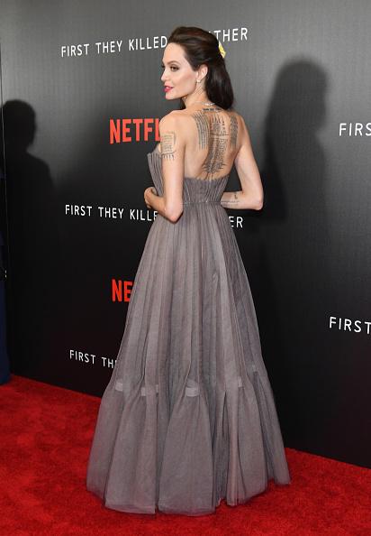 アンジェリーナ・ジョリー「'First They Killed My Father' New York Premiere」:写真・画像(14)[壁紙.com]