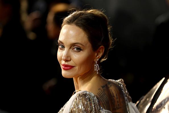 "Angelina Jolie「""Maleficent: Mistress Of Evil"" European Premiere - Red Carpet Arrivals」:写真・画像(6)[壁紙.com]"