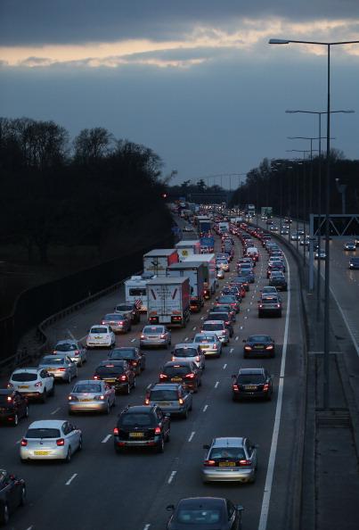 Traffic「Britons Leave For The Easter Getaway」:写真・画像(2)[壁紙.com]