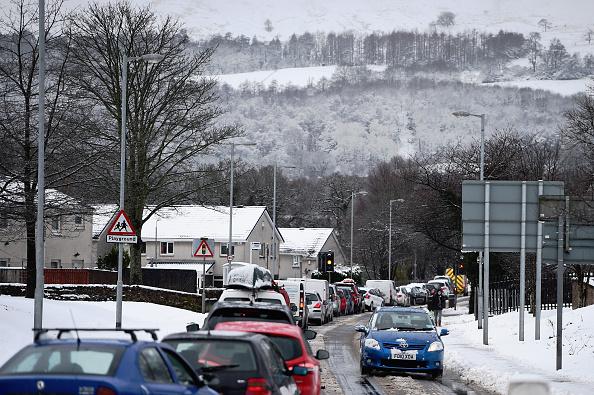 Traffic「Snowy Weather Brings Balloch To A Standstill」:写真・画像(1)[壁紙.com]