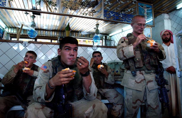 Daniel Gi「101st Airborne Patrols At Night In Mosul」:写真・画像(4)[壁紙.com]