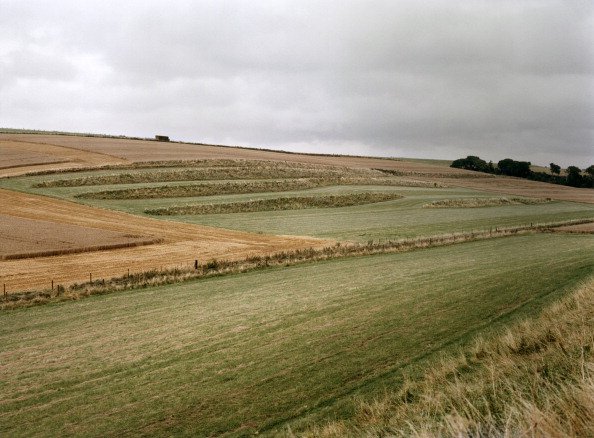 Overcast「Valley near Enford, Wiltshire, 1999. Artist: IJ Leonard」:写真・画像(1)[壁紙.com]