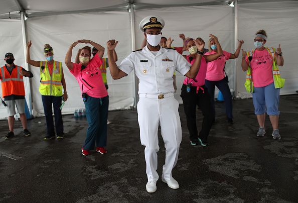 Florida - US State「US Surgeon General Jerome M. Adams Visits COVID-19 Testing Site In Miami」:写真・画像(16)[壁紙.com]