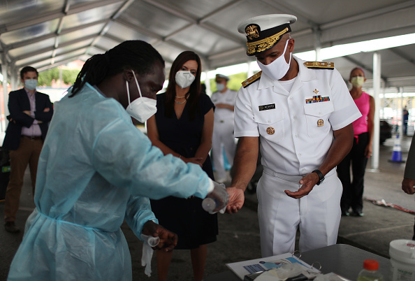 Florida - US State「US Surgeon General Jerome M. Adams Visits COVID-19 Testing Site In Miami」:写真・画像(18)[壁紙.com]