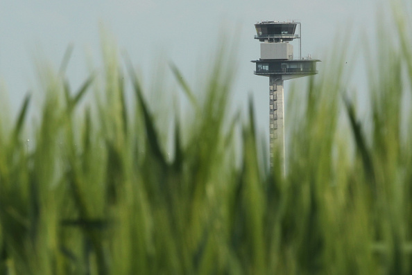 Grass Family「New Berlin Airport Opening Postponed」:写真・画像(17)[壁紙.com]