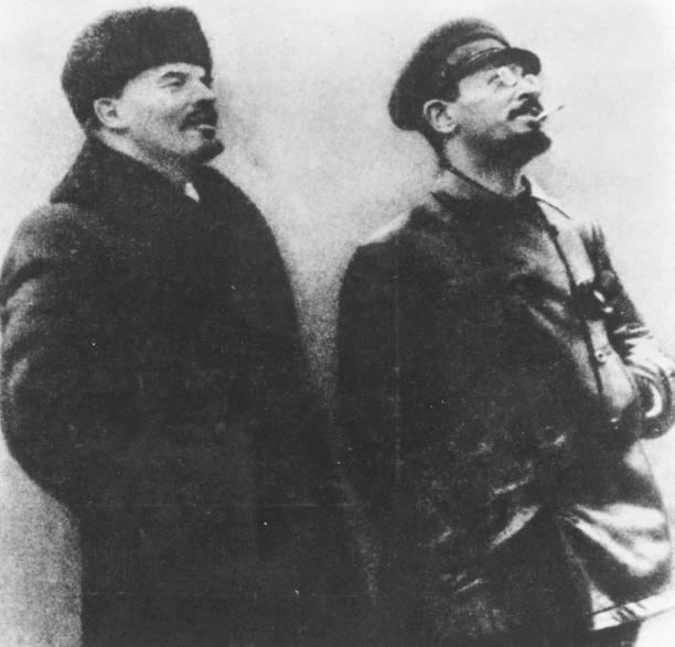 Trotsky And Lenin:ニュース(壁紙.com)