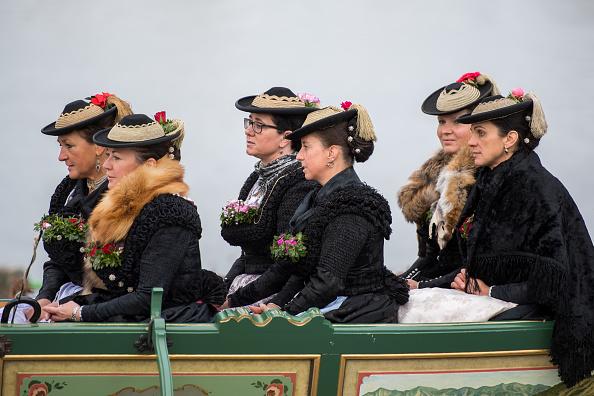 Working Animal「Annual Leonhardi Procession At Schliersee Lake」:写真・画像(5)[壁紙.com]