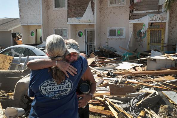 Scott Olson「Recovery Efforts Continue In Hurricane-Ravaged Florida Panhandle」:写真・画像(16)[壁紙.com]