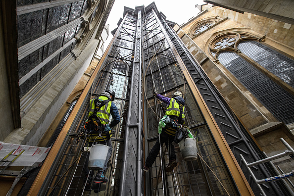 New「Window Cleaning Takes Place At The New Triforium At Westminster Abbey」:写真・画像(11)[壁紙.com]
