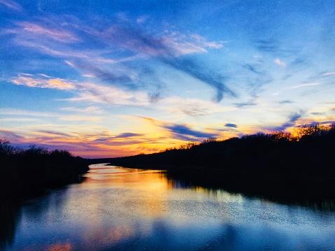 Moody Sky「Brazos River. Texas」:スマホ壁紙(15)
