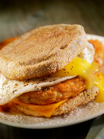 Toasted Food「Fried Egg, Sausage and Cheese Breakfast Sandwich」:スマホ壁紙(5)