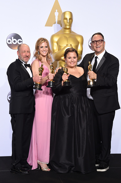 Small Group Of People「88th Annual Academy Awards - Press Room」:写真・画像(8)[壁紙.com]