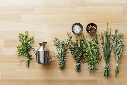 Tarragon「Seasoning: Herbs and Spices Still Life」:スマホ壁紙(5)