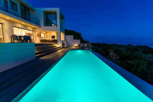 Chalet「Luxury Villa Pool Deck at Dusk」:スマホ壁紙(8)