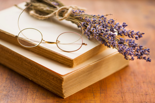 Eyeglasses「Antique book with eyeglasses and lavender」:スマホ壁紙(13)