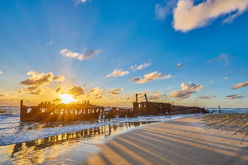 Queensland「Wreck of the Maheno,Fraser Island,Worlds largest sand Island,Queensland,Australia」:スマホ壁紙(6)