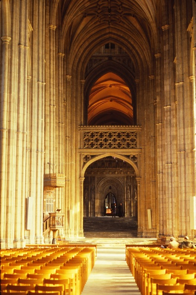 Bench「South Aisle In Canterbury Cathedral」:写真・画像(0)[壁紙.com]