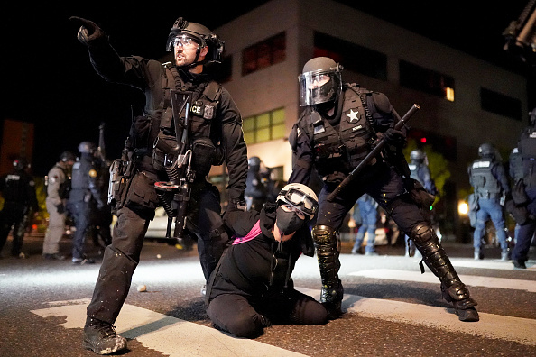 Protest「Portland Anti-Police Protests Grow Larger After Lull」:写真・画像(2)[壁紙.com]