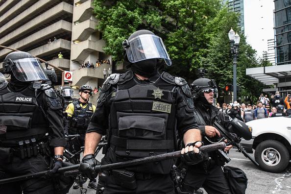 Portland - Oregon「Alt Right Group Holds Rally In Portland, Oregon」:写真・画像(17)[壁紙.com]