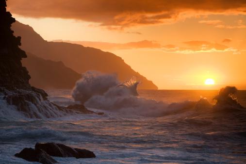 Coastline「Hawaiian sunset at Ke'e beach.」:スマホ壁紙(15)