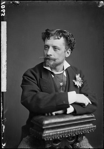Classical Musician「Operatic Tenor」:写真・画像(1)[壁紙.com]