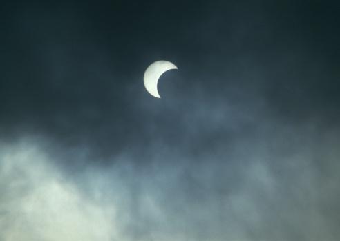 月「Moon」:スマホ壁紙(14)