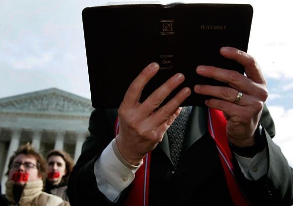 Bible「People React as U.S. Senate Confirms Alito to Supreme Court」:写真・画像(16)[壁紙.com]