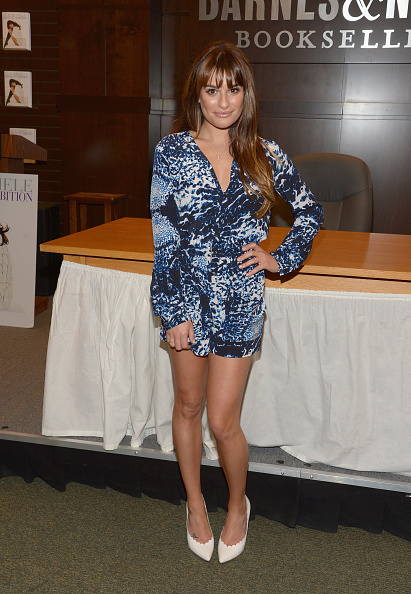 """Scalloped - Pattern「Lea Michele Signs Copies Of Her New Book """"Brunette Ambition""""」:写真・画像(3)[壁紙.com]"""