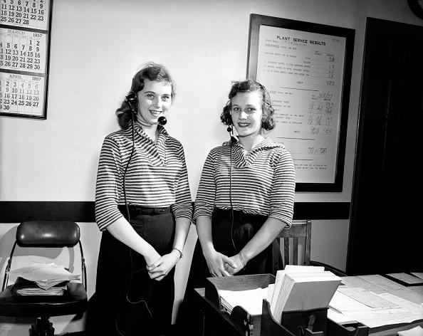 上半身「Utica Telephonists」:写真・画像(7)[壁紙.com]