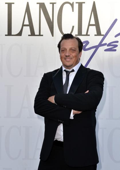 上半身「Celebrities At The Lancia Cafe: Day 5 - The 69th Venice Film Festival」:写真・画像(17)[壁紙.com]